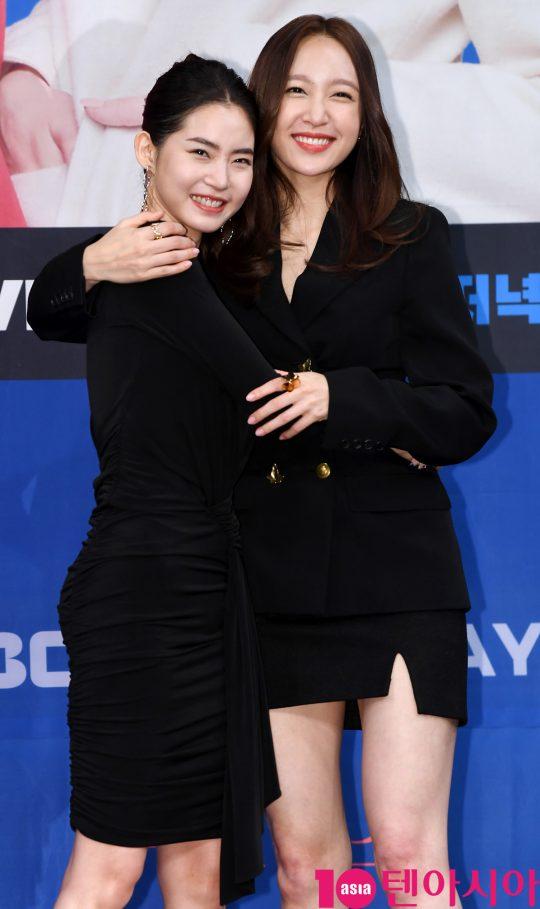 황승언과 안희연이 20일 오후 서울 상암동 MBC 골든마우스홀에서 열린 MBC 새 드라마 '엑스엑스(XX)' 제작발표회에 참석하고 있다.
