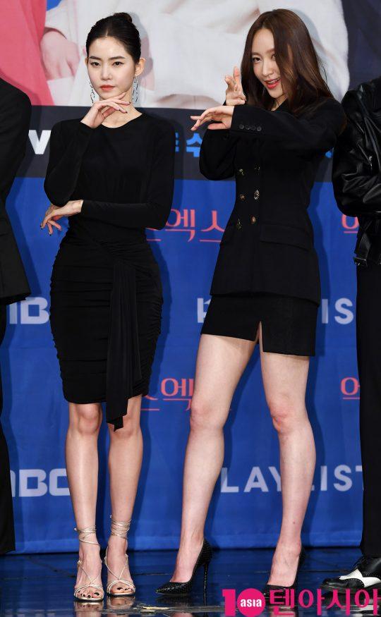 배우 황승언과 하니가 20일 오후 서울 상암동 MBC 골든마우스홀에서 열린 MBC 새 드라마 '엑스엑스(XX)' 제작발표회에 참석하고 있다.