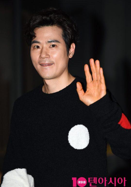 배우 김강우가 23일 오후 서울 여의도 한 음식점에서 열린 KBS 수목드라마 '99억의 여자' 종방연에 참석하고 있다.