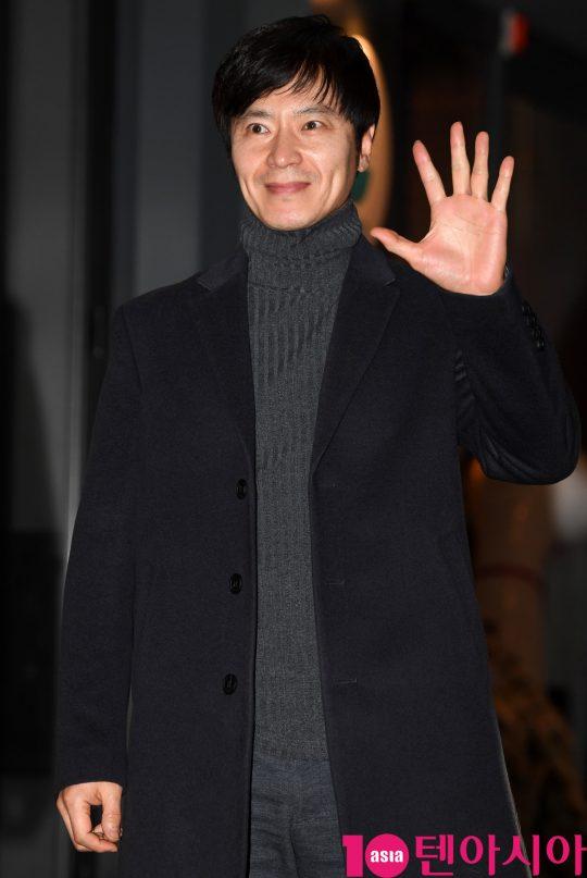 배우 윤서현이 23일 오후 서울 여의도 한 음식점에서 열린 KBS 수목드라마 '99억의 여자' 종방연에 참석하고 있다.