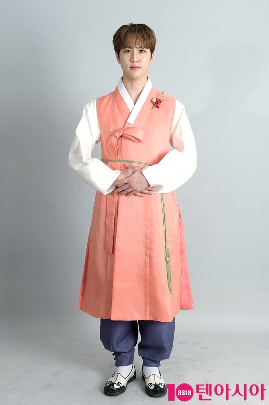 가수 김동한