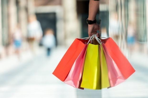 유커 등 외국인 관광객이 증가하면서 국내 면세점 업계가 호실적을 거둘 것이라는 관측이 나오고 있다. (사진 = 게티이미지)