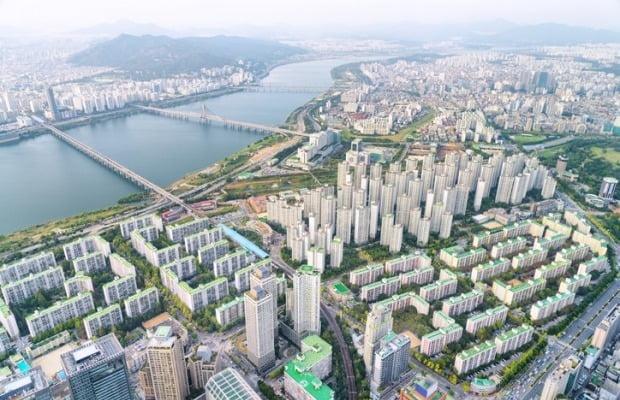 서울 한강변 아파트 전경(사진=게티이미지뱅크)