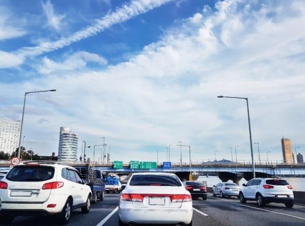 서울시는 지난해 서울 시내에서 발생한 교통사고 사망자 수가 인구 10만명당 2명대에 진입했다는 잠정 결과를 16일 발표했다. /사진=게티이미지뱅크(기사와 무관)