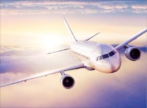 [새 출발 2020 다시 뛰는 기업들] 항공, 여행수요 회복 '감감'…항공업계 재편으로 공급과잉은 완화