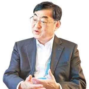 """김무환 포스텍 총장 """"혁신하려면 업종간 경계 넘나드는 '소통형 인재' 키워야"""""""