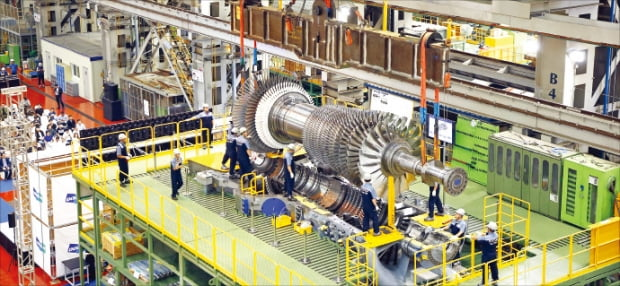 두산중공업이 개발한 대형 발전용 가스터빈.  두산중공업 제공