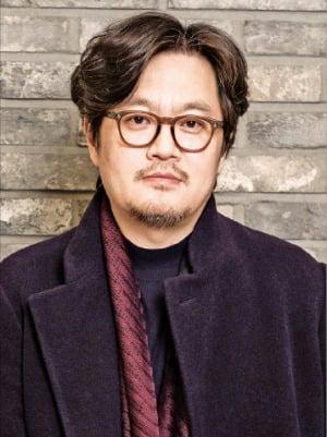 """우민호 감독 """"충성이 총성으로 바뀐 핏빛 권력…10·26 다뤘지만 다큐 아닌 창작"""""""