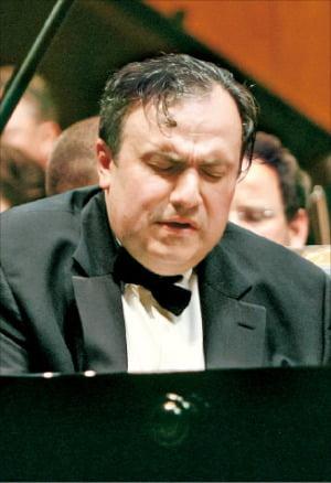 """피아니스트 예핌 브론프만 """"음악은 매순간 진화하는 종합예술"""""""