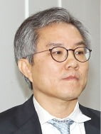 이성윤이 거부한 최강욱 기소…윤석열 총장이 직접 결재했다