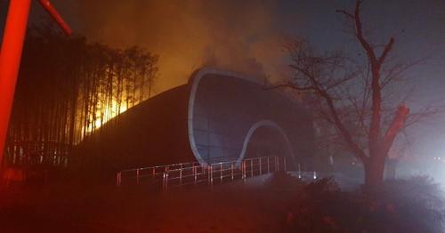 전주동물원 아쿠아리움서 불…물고기 100여마리 폐사