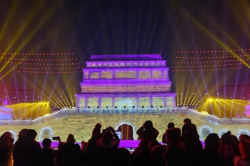 '中 빙등제 원조' 하얼빈…눈과 얼음, 빛의 향연