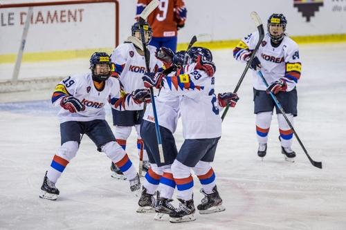 18세 이하 여자 아이스하키, 노르웨이에 3-2 연장승