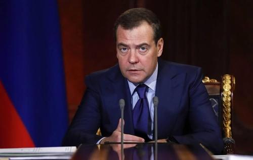 러시아 메드베데프 총리 내각, 총사퇴…푸틴, 후임에 국세청장 지명