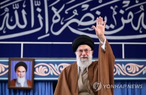 이란 최고지도자, 8년만에 금요대예배 직접 집전