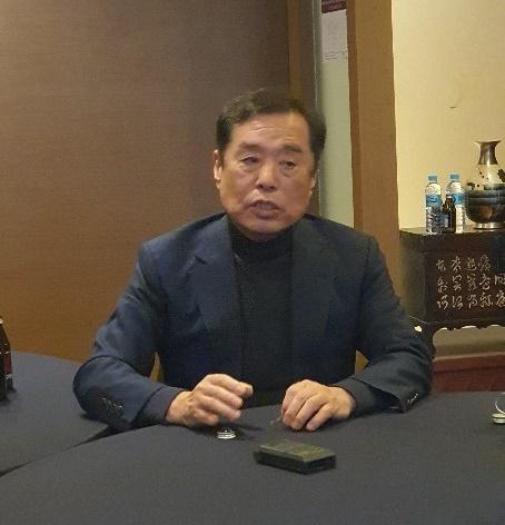 """김병준 """"대구·경북 친박 수혜 현역 의원, 출마 포기해야"""""""