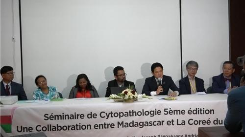 마다가스카르서 한국의사 주도로 세포병리학 세미나 열려