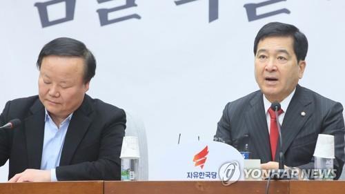 """한국당, 감찰무마·대검항명 집중거론…""""친문 패거리 조폭행태"""""""