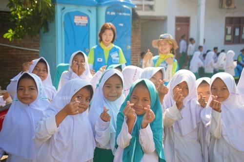 포스코 대학생 봉사단, 인도네시아서 학교건축·교육 봉사