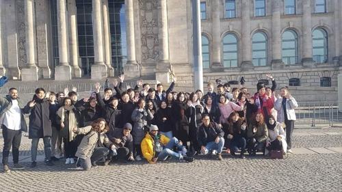"""김일성대 학생들의 베를리너 3주…""""북측은 외국인 아니잖아요"""""""