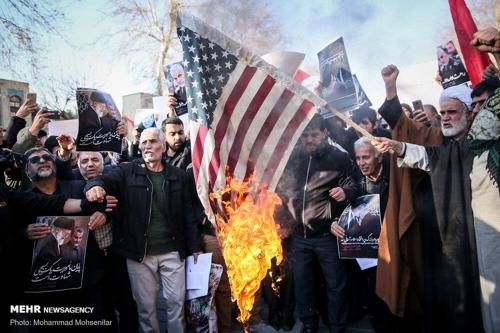 이란 외무, '미국과 협상 가능' 언급했다 거센 비판 직면