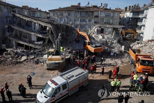 터키, '가짜 지진 뉴스' 퍼뜨린 네티즌 수십 명 조사