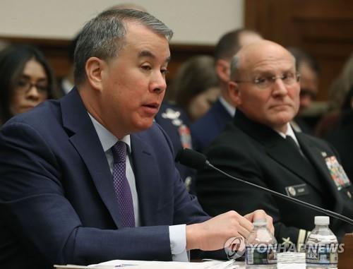 """미 국방차관 """"북한, 고립 벗어날 길은 선의의 협상 관여하는 것"""""""