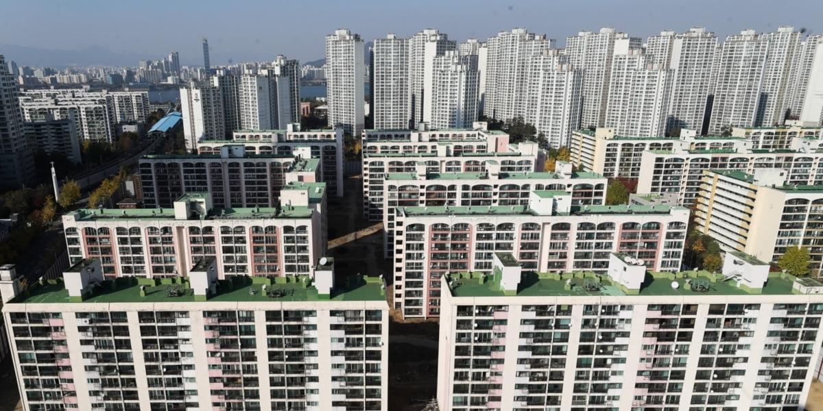20일부터 9억원 넘는 주택보유자 전세대출 못받는다