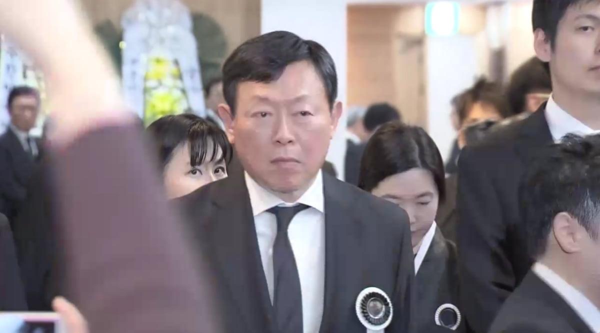 """故 신격호 명예회장 빈소 조문 행렬 사흘째...장지는 울산시 울주군 야산"""""""