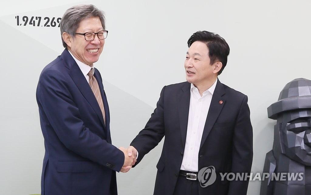 """박형준 만난 원희룡, 통합신당 합류 """"힘 보태겠다"""""""