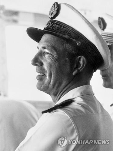 핵실험반대 그린피스 배 격침 지휘했던 프랑스 전 정보국장 별세