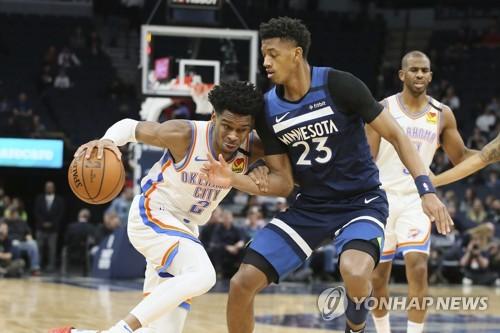 제임스, NBA 역대 어시스트 8위로…레이커스, 클리블랜드에 완승
