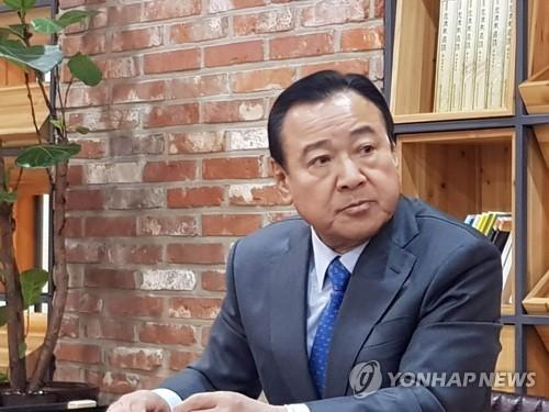 """이완구 총선 불출마·전격 정계은퇴…충청 정가 """"배경 의아"""""""