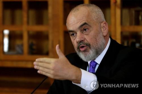 미국-이란 긴장 속 알바니아, 이란 외교관 2명 추방키로