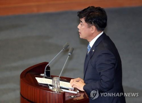 """與 """"檢 패스트트랙 기소유예 처분 불기소로 바꿀 헌법소원 검토"""""""