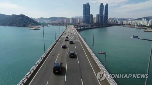 부산 광안대교에 보행 전용 도로…용역 착수 예정