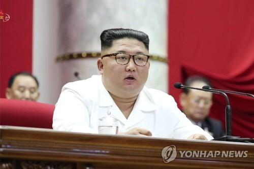 """김정은 """"머지않아 새 전략무기 목격할 것""""…대화여지는 남겨"""
