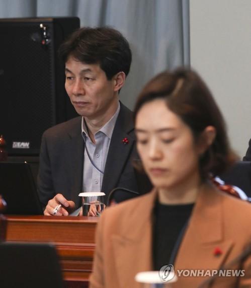 한국당, 박영선·윤건영·고민정 선거법 위반 검찰 고발