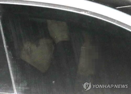 조국 '유재수 감찰무마 의혹' 10시간 동안 3차 검찰 조사받아