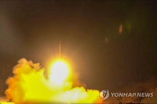 """美·캐나다 """"추락 우크라 여객기, 이란 미사일에 우발적 피격"""""""