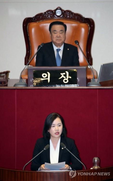 한국당 빠진 반쪽 본회의, 2시간43분 민생법안 '일사천리' 처리(종합)