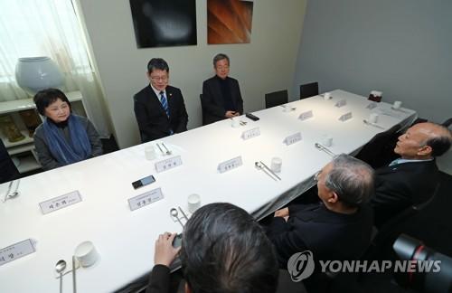 """김연철 """"북미관계 기다리기보다 남북관계 개선 위한 조치하겠다"""""""