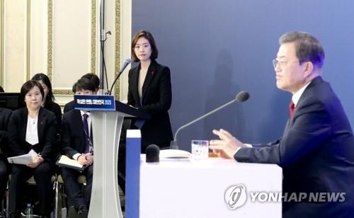 고민정 대변인·유송화 춘추관장 사직…靑 총선출마 인사 마무리(종합)