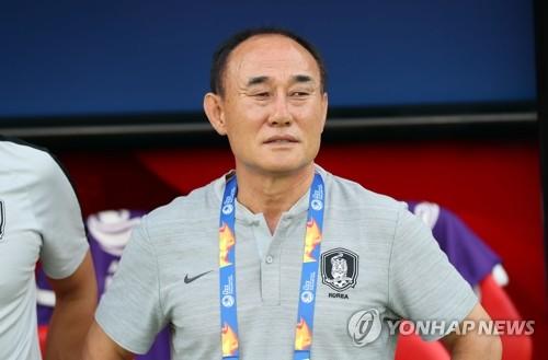 """'조별리그 전승 통과' 김학범 """"매 경기가 결승…더 발전한다"""""""