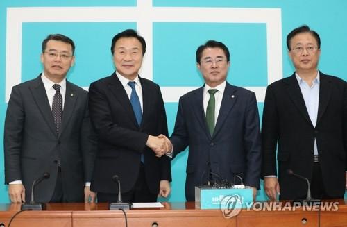 """대안신당, 제3세력 통합 박차…""""뭉치면 살고 흩어지면 죽는다""""(종합)"""