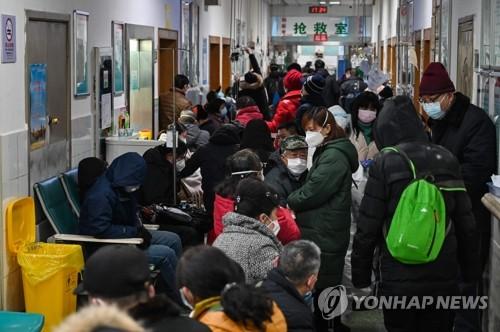 """中 '우한폐렴' 확진자 2000명 넘어…""""잠복기에도 전염"""""""