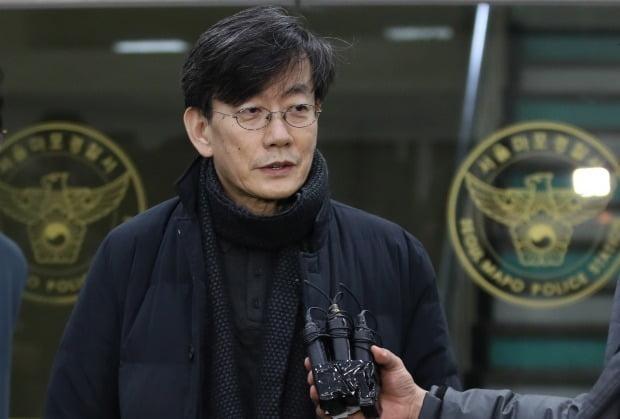 서울 마포경찰서 조사를 마친 뒤 답변하는 손석희 JTBC 대표이사 (사진=연합뉴스)
