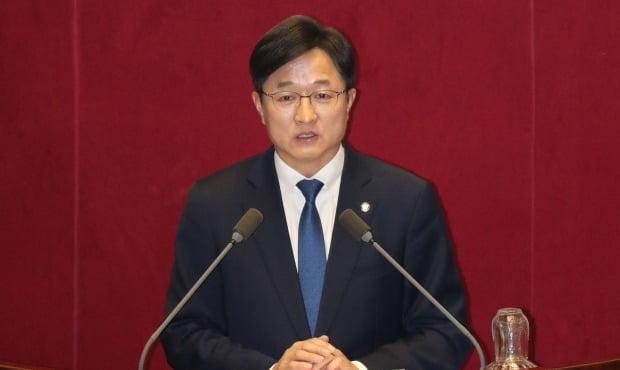 더불어민주당 강병원 의원은 26일 서울 상·하위 종합소득 격차가 194배에 이른다고 밝혔다. /사진=연합뉴스