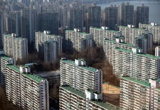 시가 9억 주택 보유자 '전세대출' 못 받는다