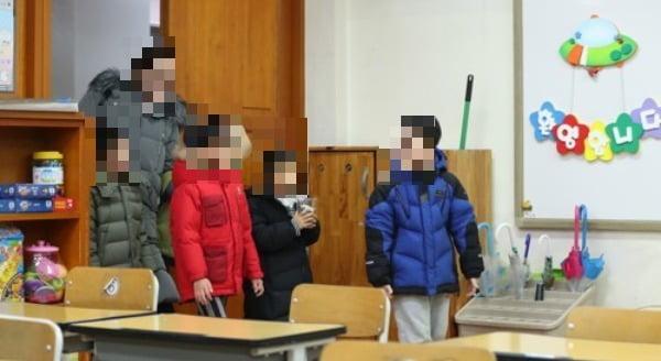 한 초등학교 예비소집 모습. 해당 사건과 직접적인 관련 없음. 사진=연합뉴스